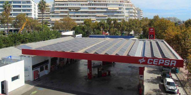 Paneles solares estaciones de servicio CEPSA