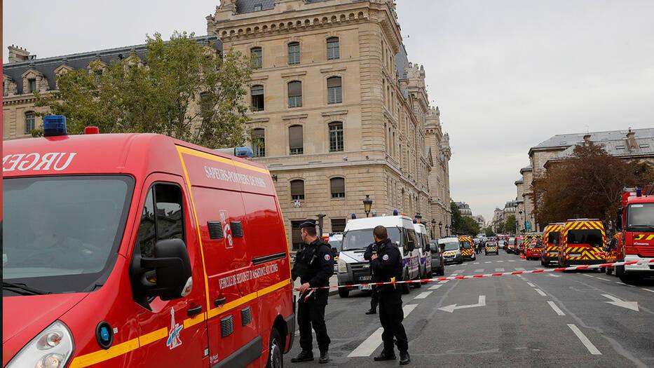 Cuerpos de seguridad investigan el asesinato de 4 policías en la prefectura de París