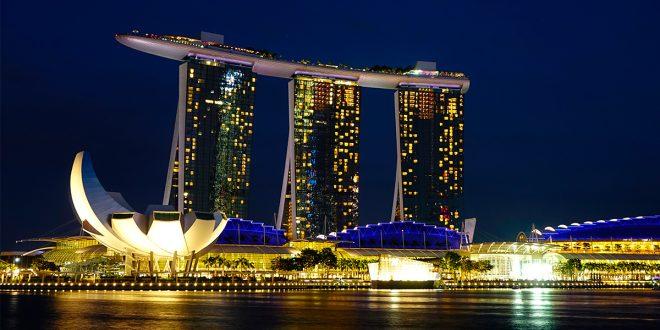 Singapur es futuro. Marina Bay Sands y sus tres torres unidas por una riostra tipo barco