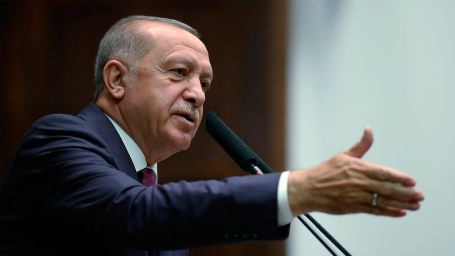 El presidente turco denunció que los kurdos aún no se han retirado completamente del norte de Siria