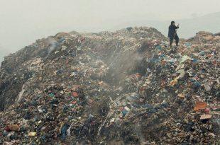 Ante la contaminación, la Unión Europea aprobó una estrategia para reducir efectivamente el uso de bolsas de plástico. Para 2030, todas las bolsas serán biodegradables o reutilizables.