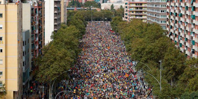 """Las """"marchas por la libertad"""" llegan a una Barcelona en huelga"""