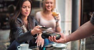 Hoy día los clientes de la banca aspiran que se les ofrezcan facilidades móviles con las ventajas de la digitalización para entrar en contacto con sus servicios.