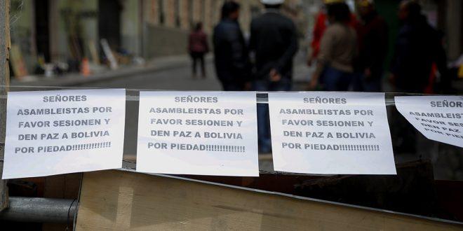 Bolivia: llaman a un gobierno de transición y a elecciones limpias, en paz