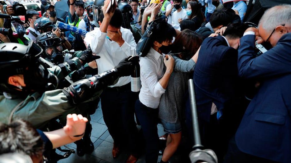Escalan los hechos de violencia en Hong Kong