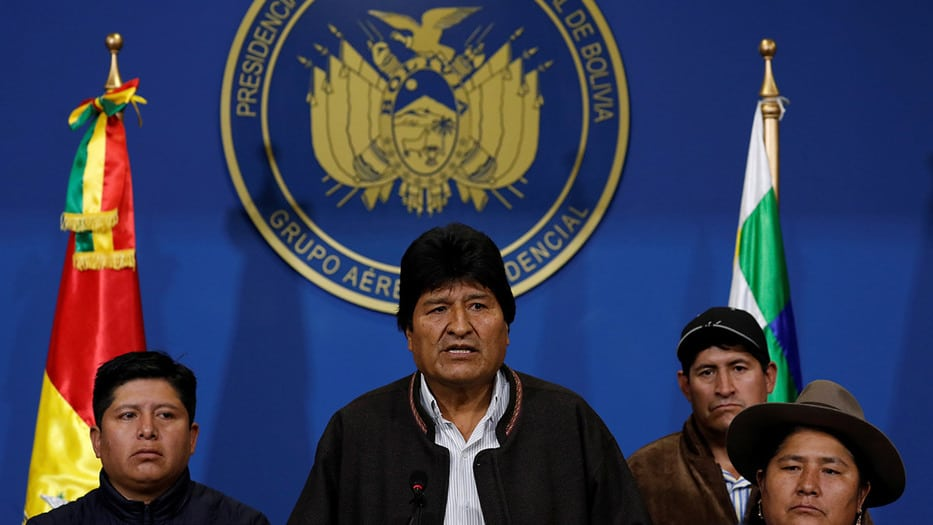 El anuncio fue hecho por el propio Morales en conferencia desde el hangar de la Fuerza Aérea Boliviana (FAB)