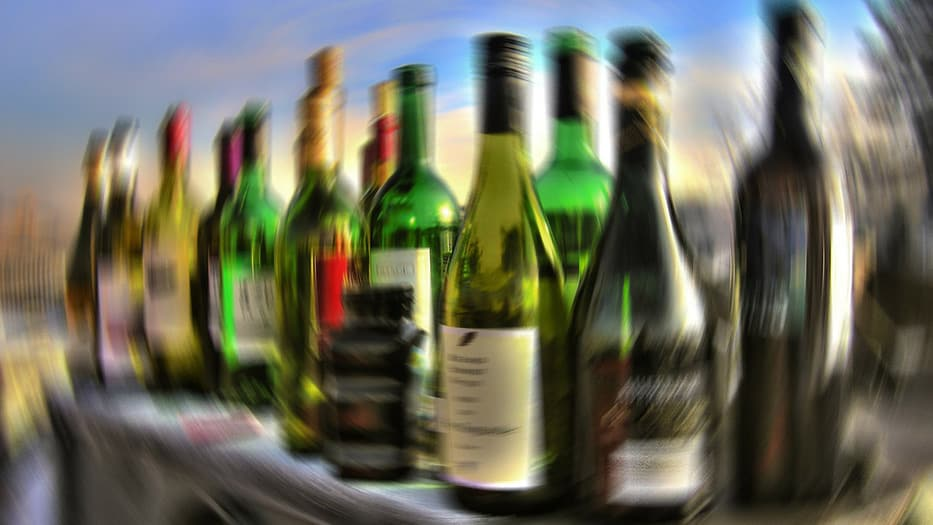 Tendencias apuntan a un alza de 10% en consumo per cápita mundial de alcohol