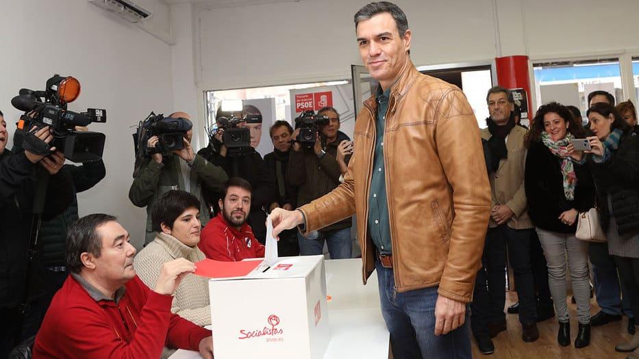 Pedro Sánchez, presidente del Gobierno en funciones, vota en el proceso de consulta del PSOE