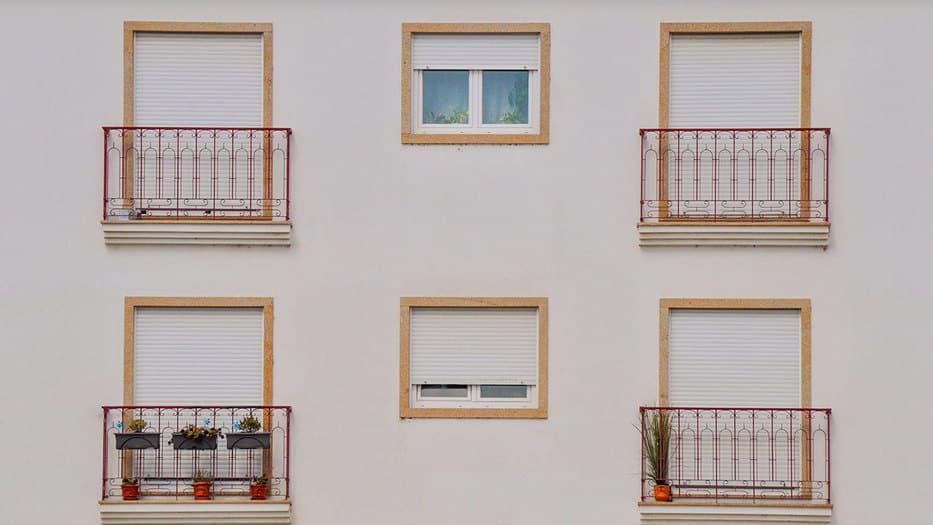En un año el número de viviendas libres transmitidas por compraventas disminuyó 11,4 por ciento y el de protegidas 17,1 por ciento/Pixabay