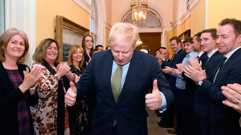 Boris Johnson fue recibido con aplausos en 10 Downing Street tras su victoria