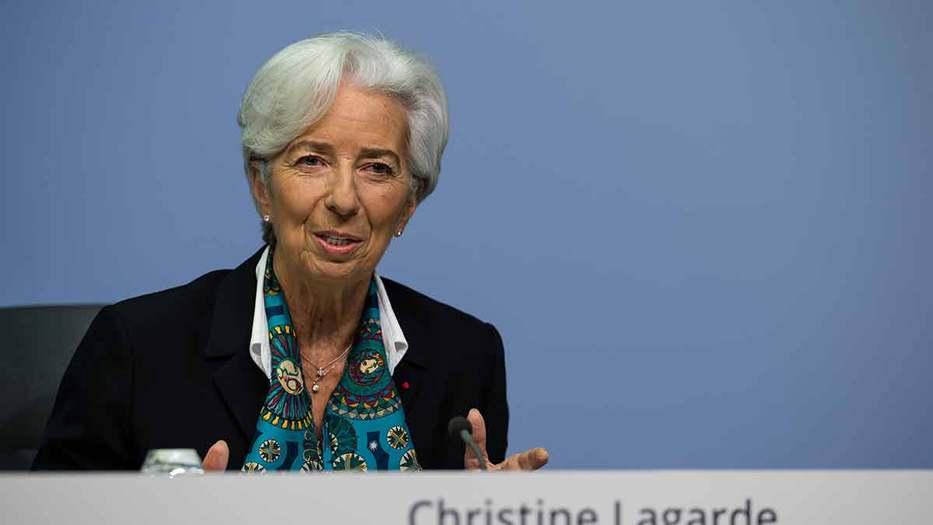 La presidenta del Banco Central Europeo (BCE), Christine Lagarde, se refirió a la decisión de mantener sin cambios sus tasas de referencia y a la revisión que iniciará en enero de la estrategia monetaria de la institución