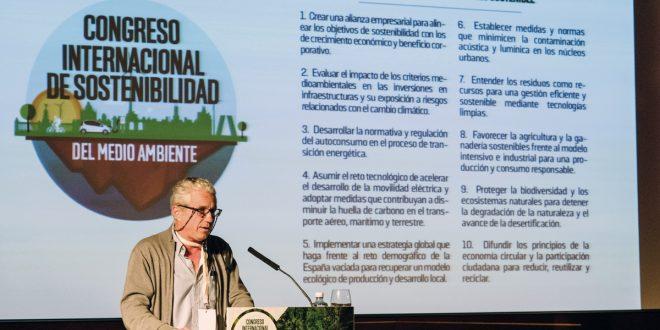 El director de Comunicación de WWF, Miguel Ángel Valladares, presentó un decálogo que contiene propuestas innovadoras para la protección de la biodiversidad y los ecosistemas