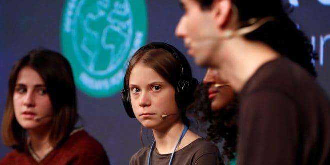 """""""Alguna gente quiere continuar como estamos… y busca silenciarnos desesperadamente"""", Greta Thunberg"""