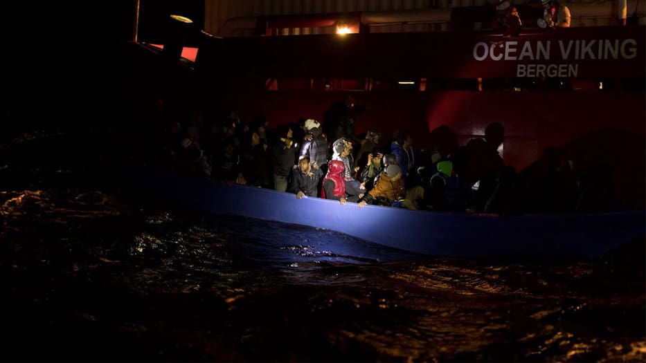 MSF reportaba hace 12 horas: A bordo del barco hay 162 personas rescatadas, incluyendo 5 mujeres embarazadas y 8 niños de corta edad/Imagen: Twitter MSF