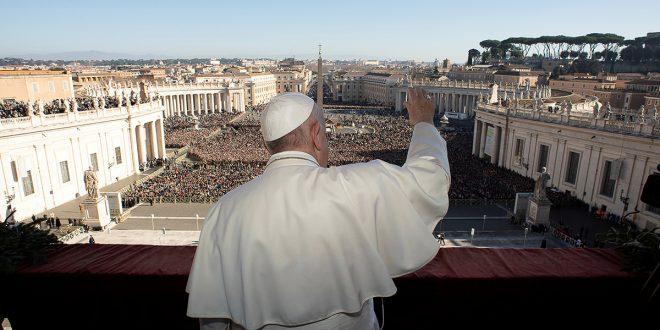 """En su mensaje """"Urbi et orbi"""", el papa Francisco pidió enfrentar las injusticias"""