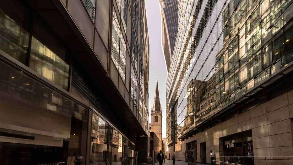 La firma ofrece 64 millones de libras por la compañía británica