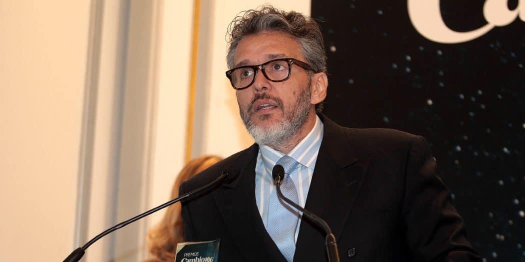 El embajador de Venezuela en Canadá, Orlando Viera-Blanco recibió el galardón de Derechos Humanos en los Premios Cambio16