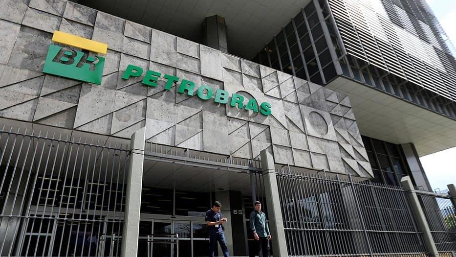 La operación fue concluida con el pago a Petrobras de los 691,9 millones de dólares faltantes y tras el cumplimiento de todas las condiciones previstas en el contrato