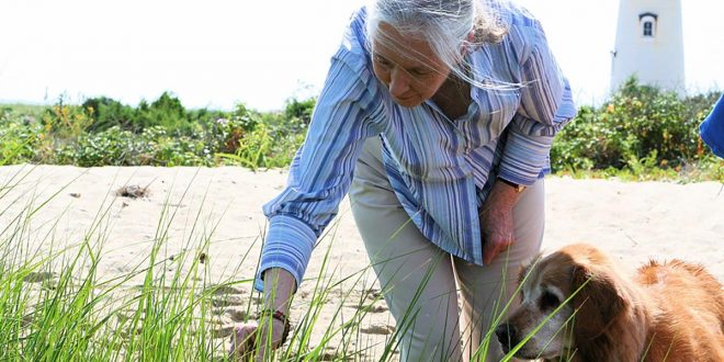 Jane Goodall, que en 2020 cumple 60 años investigando a los chimpancés, confía en los jóvenes para combatir la crisis climática