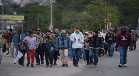 Más de mil personas integran la caravana