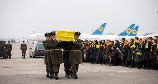 Autoridades de Ucrania rindieron homenaje a varias de las víctimas