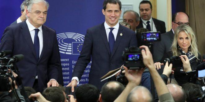 Juan Guaidó pidió a la UE más sanciones contra Maduro