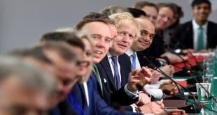 Boris Johnson y su tren ministerial se reunió para festejar el Brexit