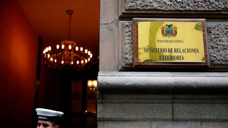 El Ministerio de Relaciones Exteriores de Bolivia confirmó la expulsión de los diplomáticos españoles