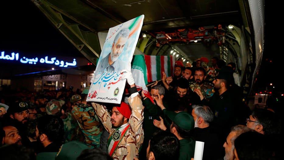 Oficialistas lloraron la muerte de Soleimani en Teherán