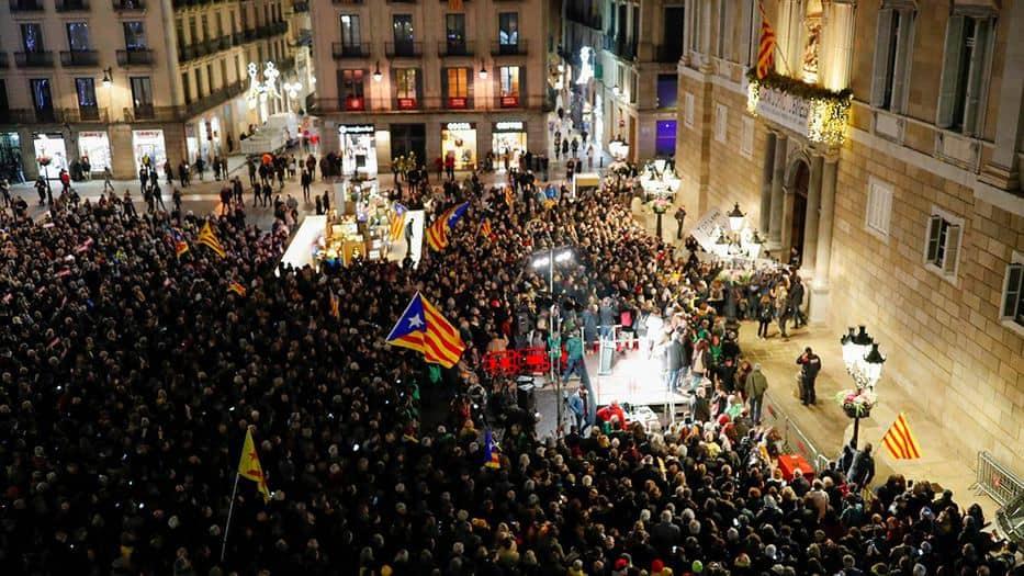 La ANC convocó una concentración en la plaza de Sant Jaume de Barcelona en apoyo a Torra