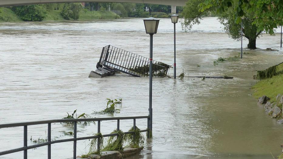 La firma detecta riesgos del cambio climático en los sistemas alimentarios, en la propiedad, infraestructuras y cadenas de suministro
