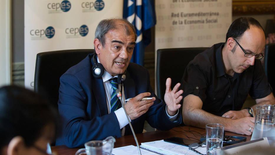 """El presidente de la Cepes, Juan Antonio Pedreño considera importante """"primar a las personas sobre el capital, con empresas rentables social y económicamente"""""""