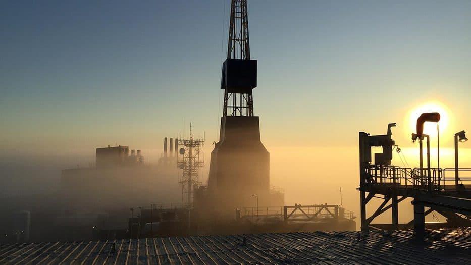 El crudo Brent superó por primera vez desde mayo de 2019 la marca de los 70 dólares por barril y alcanzó los 70,75 dólares durante las licitaciones en Londres.