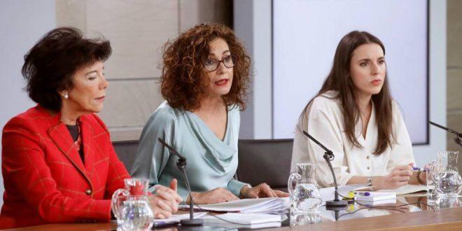 Gobierno veta el pin parental que Vox quiere imponer en colegios de Murcia