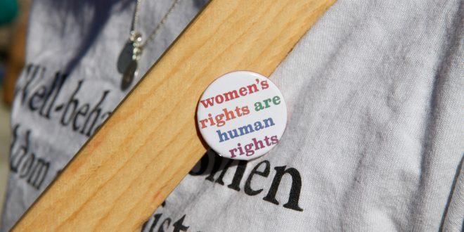Mujeres en el mundo marchan por el respeto a derechos humanos y los de género