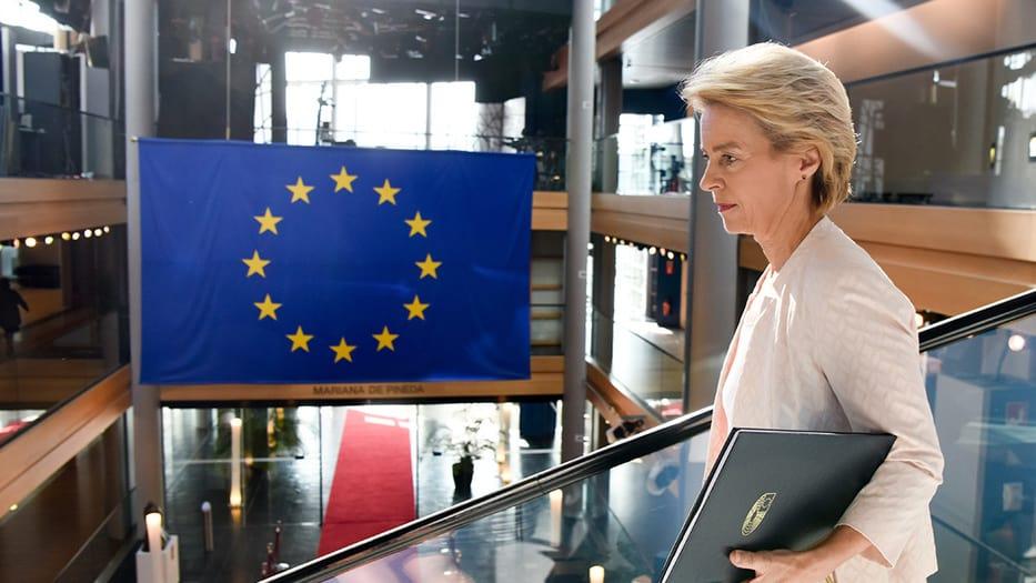 """Ursula von der Leyen, presidenta de la Comisión Europea, ha dicho que el propósito de su iniciativa es reducir la """"fuga de cerebros"""" del este de Europa hacia el oeste y la pobreza"""