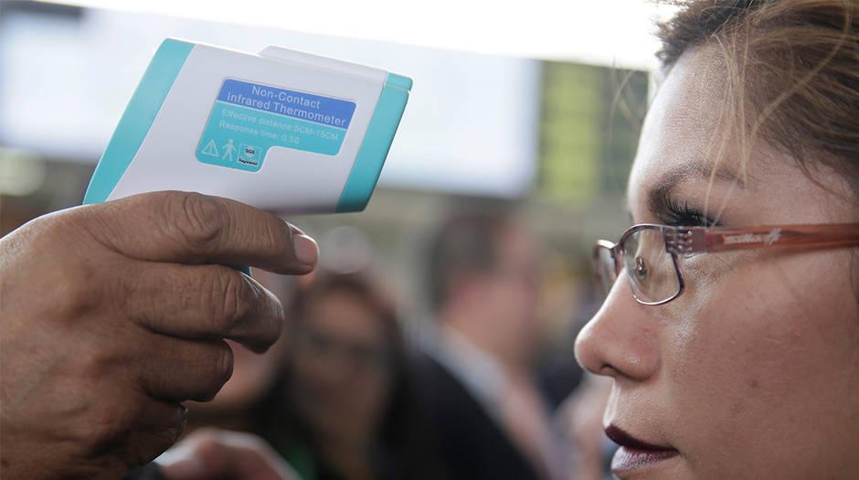 Mientras en los aeropuertos se extreman las medidas de seguridad, en el Centro Nacional de Biotecnología se encuentran a la espera de los permisos para empezar el proceso de desarrollar la vacuna
