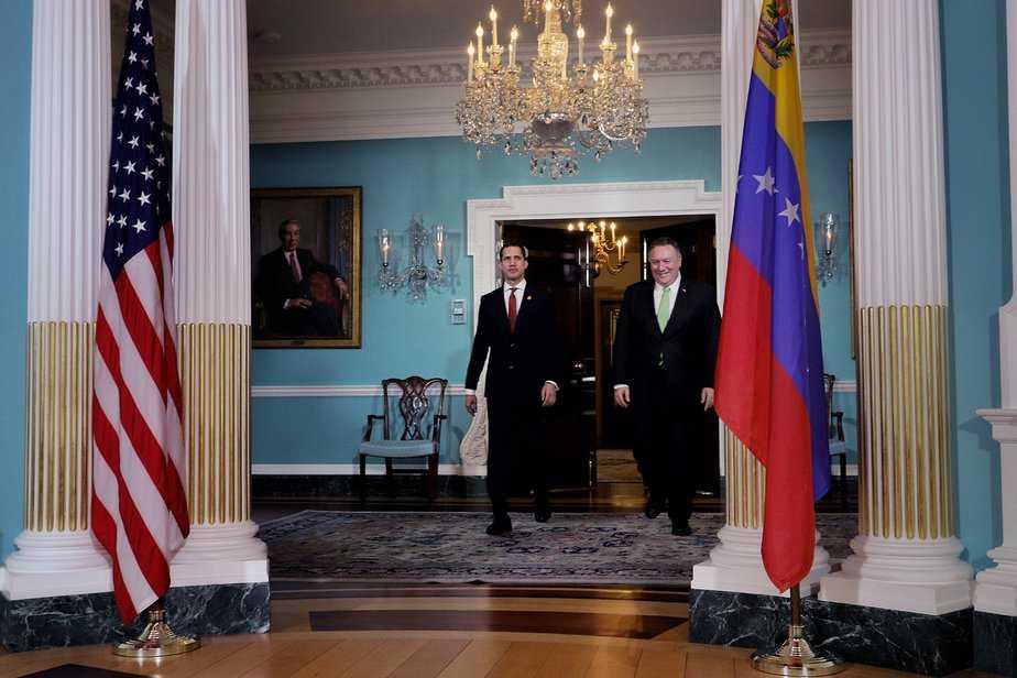 Juan Guaidó y Mike Pompeo charlaron sobre vinculación de Maduro con el terrorismo