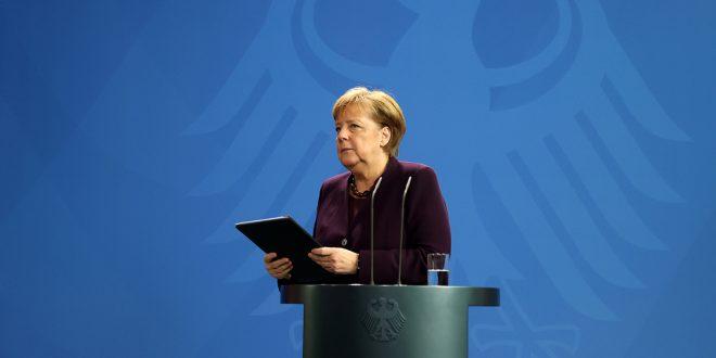 """Merkel calificó tiroteos con 11 muertos en Alemania de """"racistas y ultraderechistas"""""""