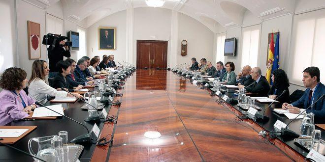 Gobierno niega roces y anuncia Ley de Libertad Sexual para el 8 de marzo