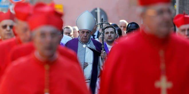 El Papa pide renunciar a los insultos en la Cuaresma