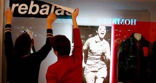 Los españoles gastan de media en las rebajas 326 euros