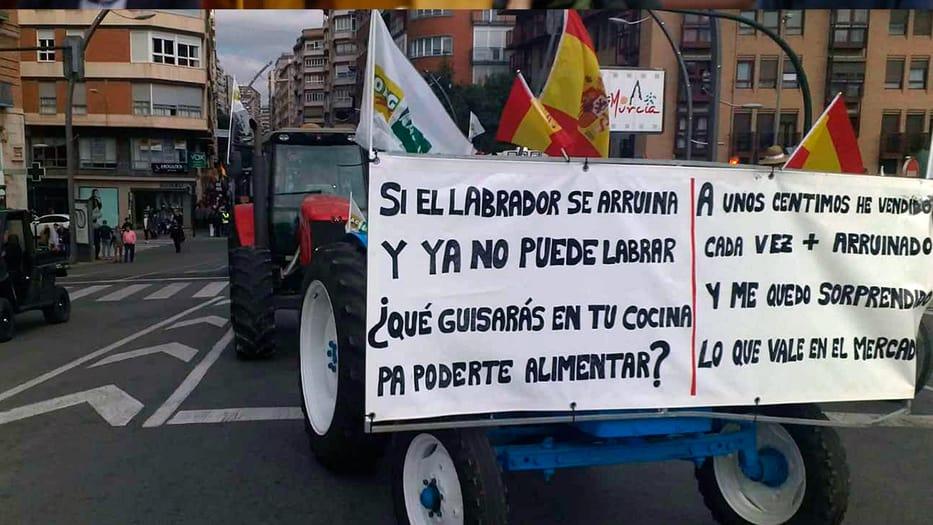 Los campesinos continuarán la protesta pese al decreto gubernamental