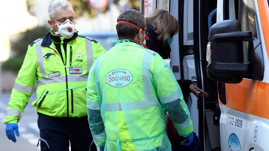 Dos fallecidos por coronavirus en Italia