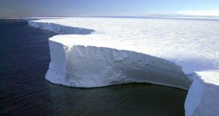 El iceberg más grande del mundo partió hacia mar abierto