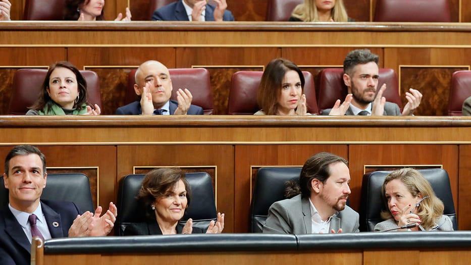 Ministros del PSOE renunciarán