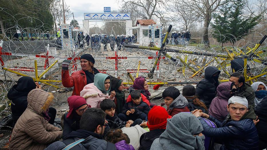 Miles de sirios intentan ingresa a Europa a través de Grecia