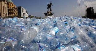 Aumenta el consumo de agua embotellada en la crisis del COVID-19