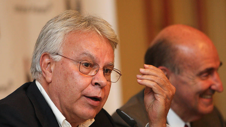 Felipe González exhorta a defender la libertad y las democracias de las tentaciones tiránicas