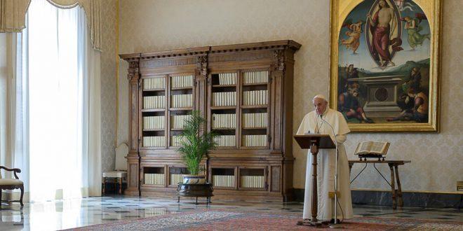 """El papa exhorta un """"alto al fuego"""" y advierte un """"genocidio virósico"""""""